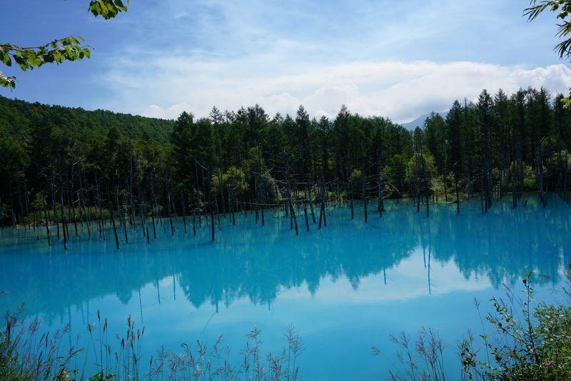 美英の青い池