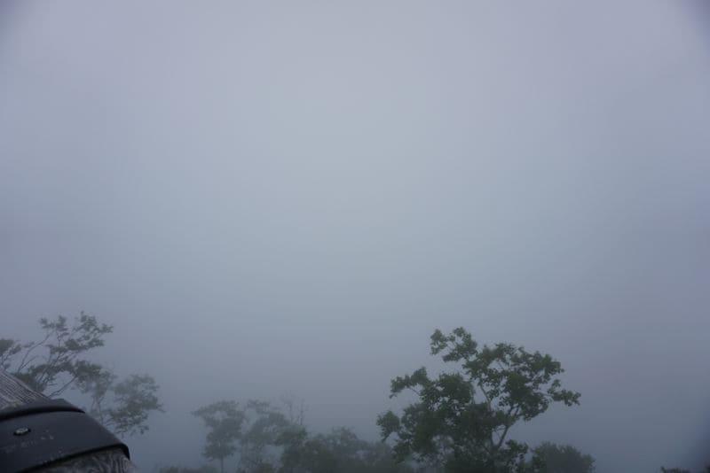 真っ白で何も見えない摩周湖