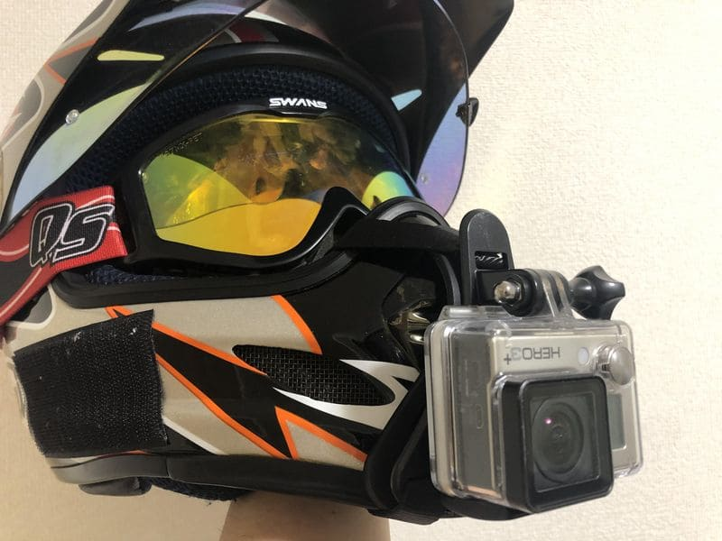 オフロードヘルメット正面カメラあり